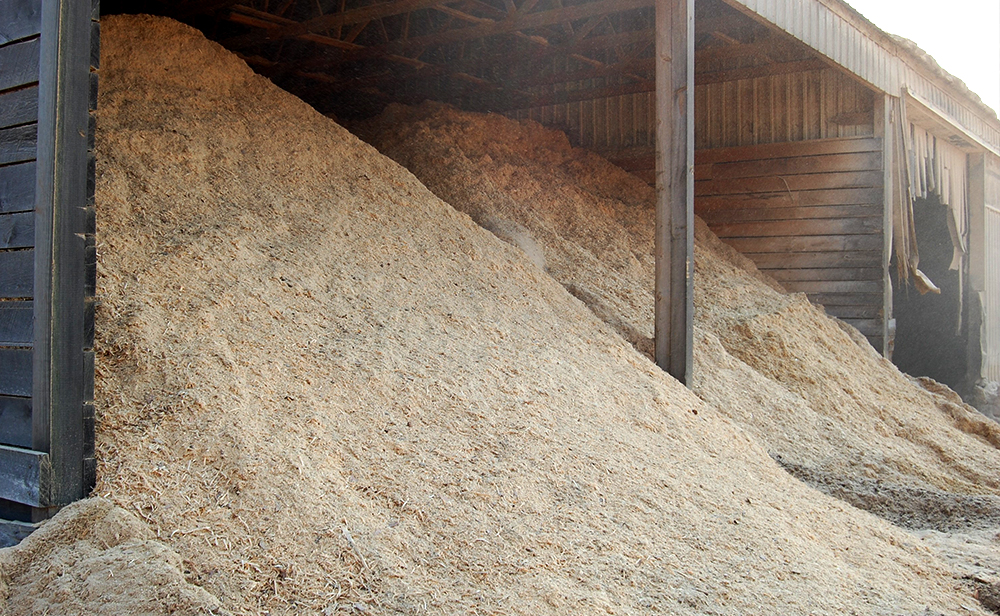 Need a bulk order of wood chips, wood mulch, or wood fiber? Our pallet manufacturing facilities provide us with many wood materials in bulk.